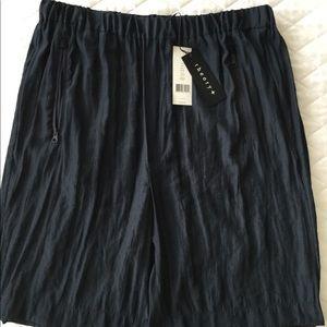 Theory women shorts. Navy blue.NWT